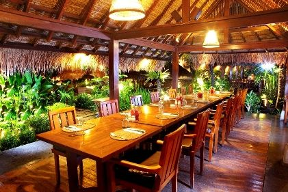 PONDOK AREA. Have a casual meeting or reunion? Choose this spot for cozy dining experience.