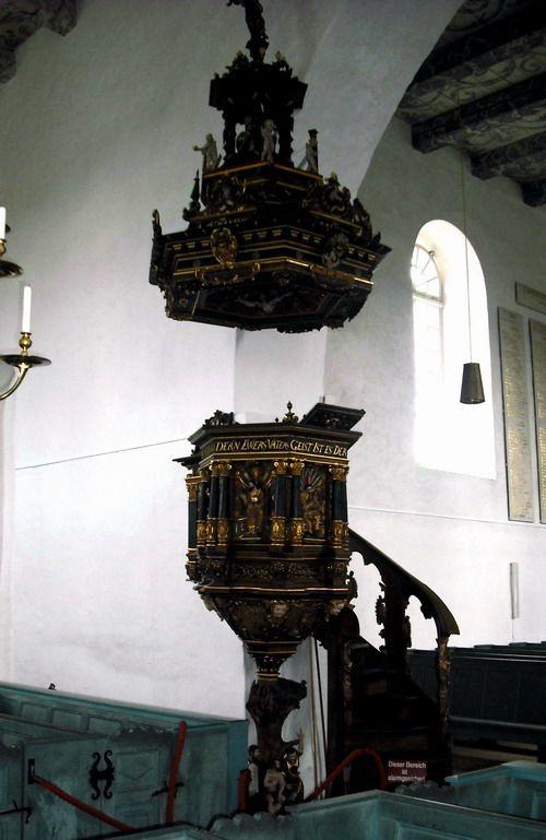 Kanzeli der  Kirche St. Matthäus in Rodenkirchen