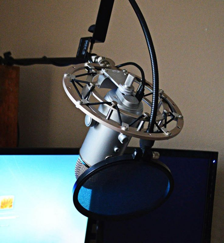 2014 Sidnie Blue Yeti Microphone Setup With Pop Filter And