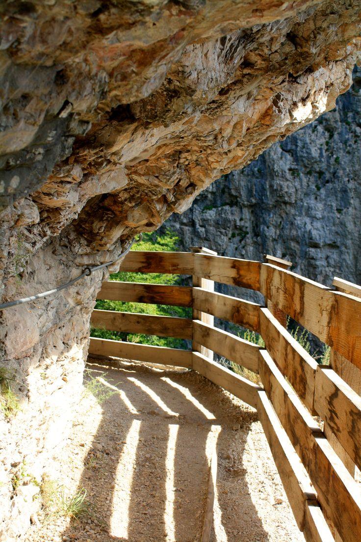 Val di Non - Sentiero delle rocce verso San Romedio