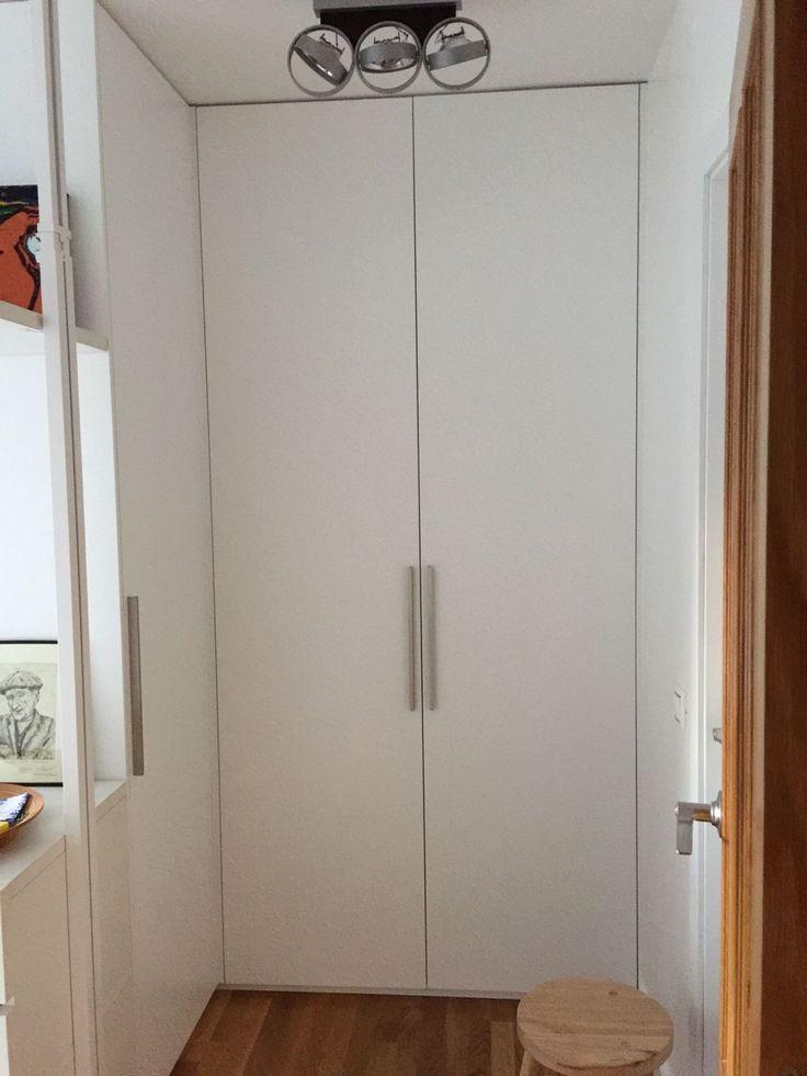 Vestidor creado con armarios