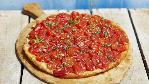 Obrácený rajčatový koláč