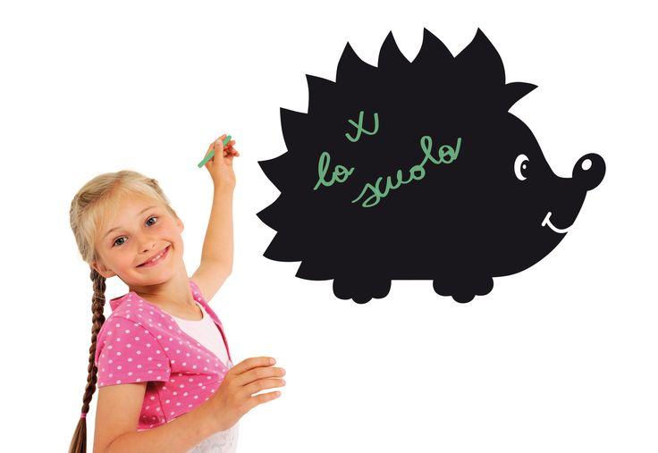 Lavagna adesiva per decorare le pareti dei tuoi bambini- Blackboard for children's room.  Il Riccio. Creazione la Banda del Riccio www.etsy.com/shop/labandadelriccio