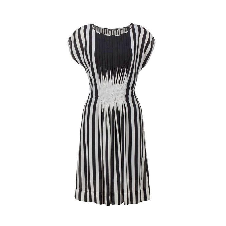Black & white stripe chiffon pleat dress #Marden #dress #pleat #black&white #fashion
