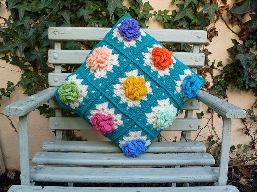 ★ Comprehensive list of pillows, sewn and crocheted! ★