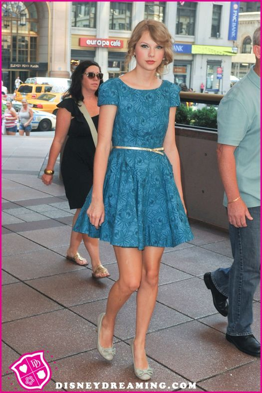 Taylor Swift Set Up A Date With A Member Of One Direction, But Canceled At The Last Minute