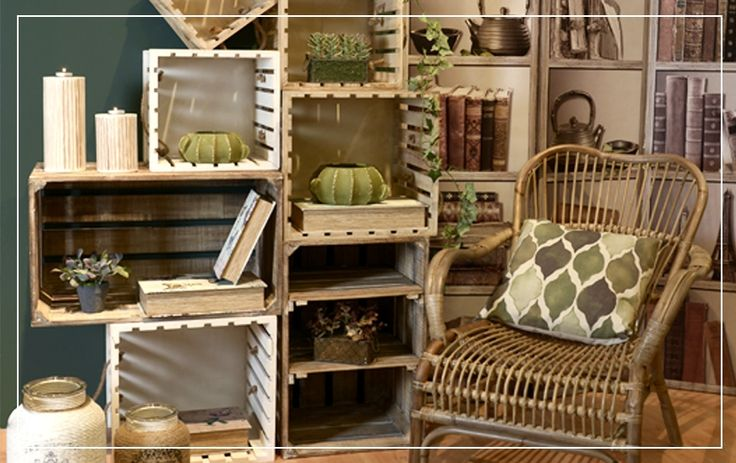 Summer home and furniture: Wooden boxes The summer essence of your home is all about selecting pieces of furniture that remind us instantly of the sunny beach, the sand and the sea. Wooden boxes are a modern idea that can be used to form beautiful corners inspired by summer. Check out some ideas below.