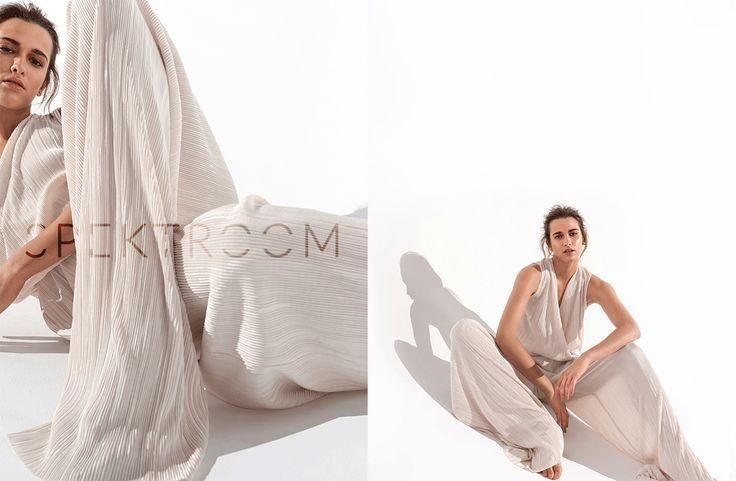 Lookbook- kolekcja jesień/ zima 2016/2017 SPEKTROOM  #lookbook #fashion #jumpsuit #dress #fashion #style #minimal #eshop #sklepinternetowy #moda #damska #online #trends #trendy #2016 #2017 #evening #model #wgsn #elle
