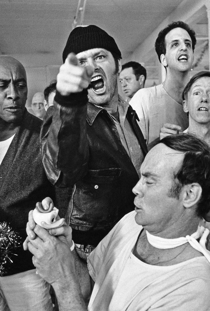 Jack Nicholson, Scatman Crothers, Vincent Schiavelli, William Duell and others (One Flew Over the Cuckoo's Nest).