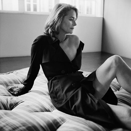 Charlotte Rampling by Christian Kettiger | Portrait - Fashion - Editorial - Black and White - Photography - Pose Idea