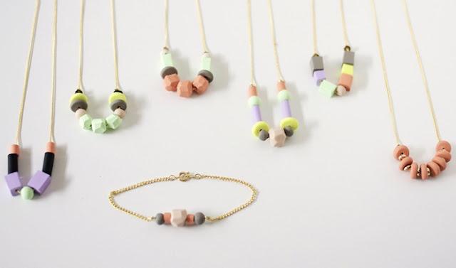 Hemgjorda halsband, kedja och stora pärlor