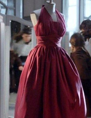 Anna's red dress , Velvet season 1  costumes velvet antena 3
