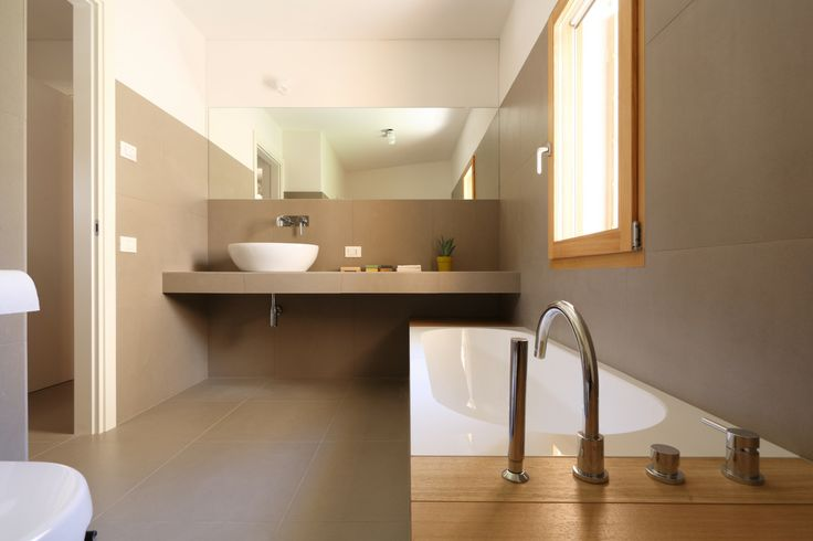 #Finestre #One #larice #Porte #laccate #Windows #ONE #larch #wood #sliding #door  www.aldenasite.com