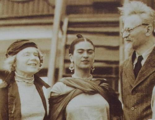 Diego Rivera, Frida Red, Leon Trotsky, Kahlo Frida, Frida Kalhor, Frida Kahlo, Fridakahlo, Frida Pictures, Frida Khalo