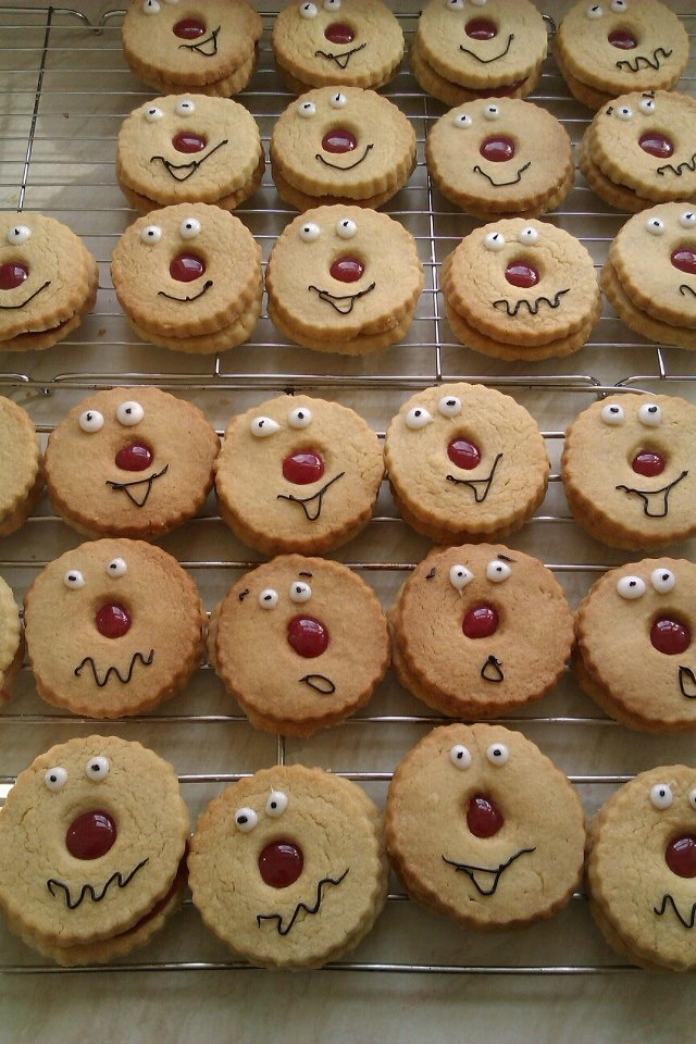 red nose day - jammy dodgers