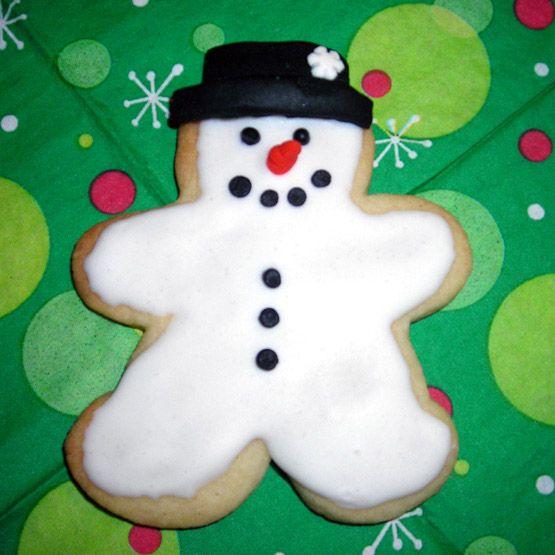 Use a gingerbread man cutter to make a snowman!