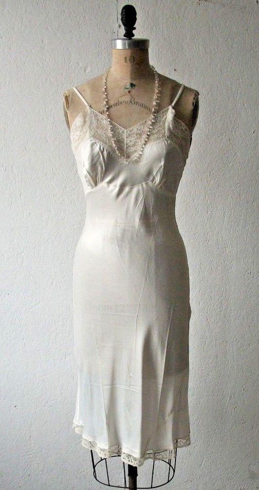S 1960s Vanity Fair Bright Pink Slip Lace Trim Vintage Lingerie Loungewear 60s Be Novel In Design Women's Vintage Clothing Vintage