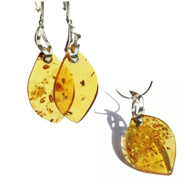 Stunning amber jewellery set featuring real amber beauty. It will shine and…