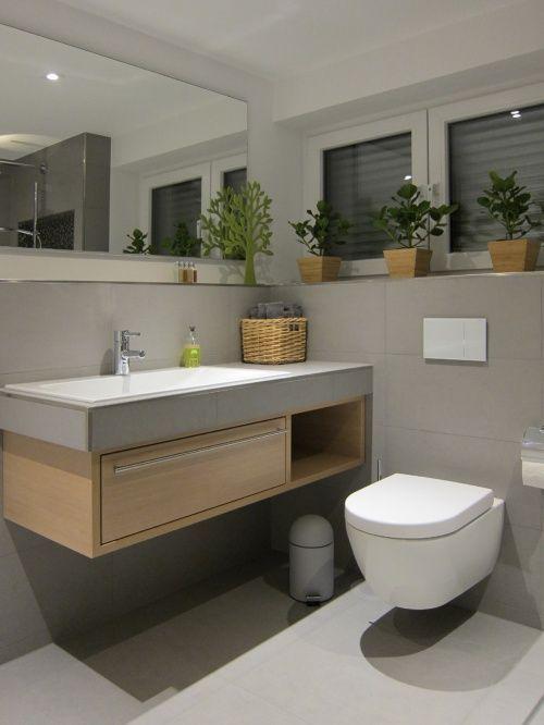 Waschtisch und WC im Gästebad – #fliesenspiegel #…