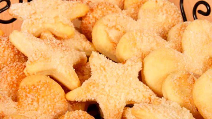 Сахарное печенье – рецепт знакомый с детства, когда в магазинах не было такого изобилия готовой выпечки как сейчас