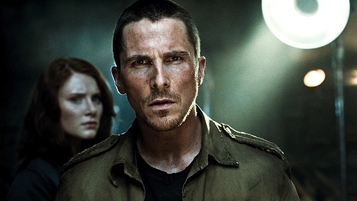 Bryce Dallas Howard as Kate Connor and Christian Bale as John Connor in TERMINATOR SALVATION (2009).