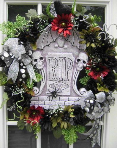 Actually, I'd like this as an add-on to an extra large gravestone or monument in the yard haunt! RIP Wreath