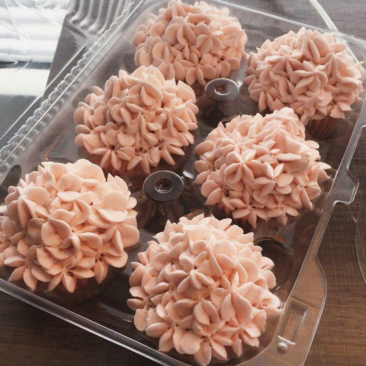 Light pink hydrangea icing SUGAR by Sara