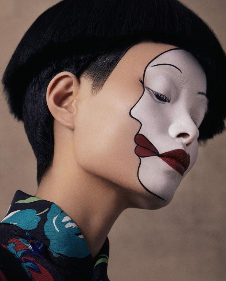 "8,123 Me gusta, 18 comentarios - Cultura Colectiva (@culturacolectiva) en Instagram: ""Doble cara. ⠀ Fotografía de Christine Hahn ⠀ - - (@christinehahn) - - ⠀ #beauty #twofaced #versace…"""