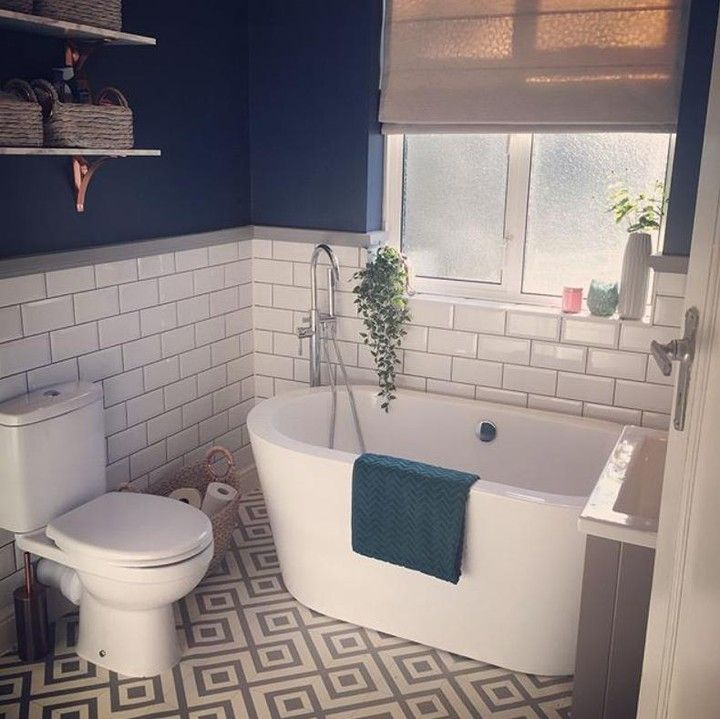 Flooring Superstore On Instagram Spruce Up Your Bathroom With Something A Little Different Like This Stunn Bathroom Lino Floor Bathtub Remodel Bathtub Design