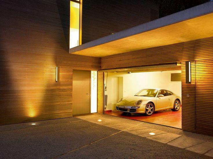 Überrollbare Bodeneinbauleuchten bieten Orientierung auf Zufahrten zur Garage