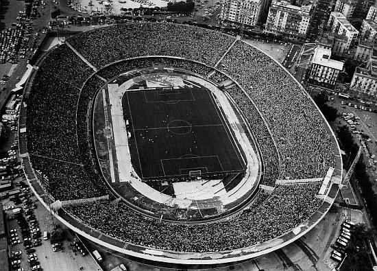 Stadio San Paolo, attuale impianto del club  azzurro, fu battezzato come stadio del Sole, cambiò successivamente denominazione per celebrare la tradizione secondo la quale San Paolo avrebbe raggiunto l'Italia attraccando nella zona dell'attuale Fuorigrotta. La struttura venne inaugurata il 6 dicembre 1959, con la gara di campionato fra Napoli e Juventus, terminata 2-1 per gli azzurri.