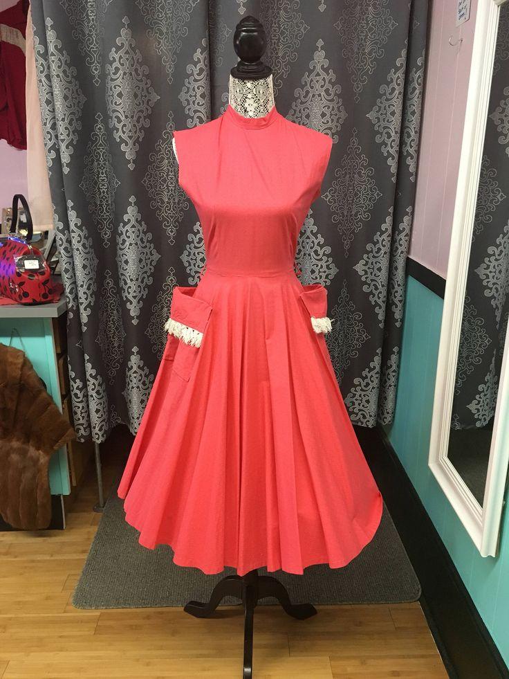 40s dress // vintage 1940s dress // True vintage dress with pockets. by Sheilasbombshell on Etsy https://www.etsy.com/ca/listing/515679976/40s-dress-vintage-1940s-dress-true