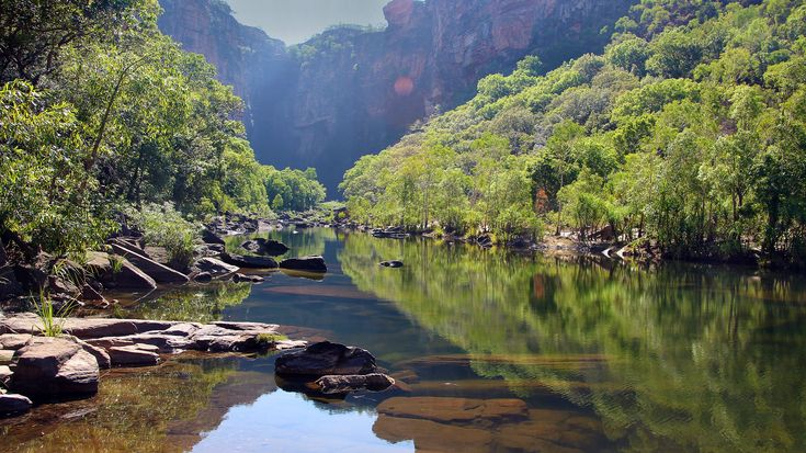 Get remote and head into the last frontiers of Australia – Kakadu and Litchfield national parks. Featuring lots of inclusions at a great price, this itinerary is geared towards budget-conscious travellers who want to make the most of their time in Kakadu and Litchfield. Take in the region's ancient landscapes, spectacular waterfalls, pristine rock pools, and magnificent gorges, and meet some of the locals. Round out your experience with a guided exploration of the region's ancient art…