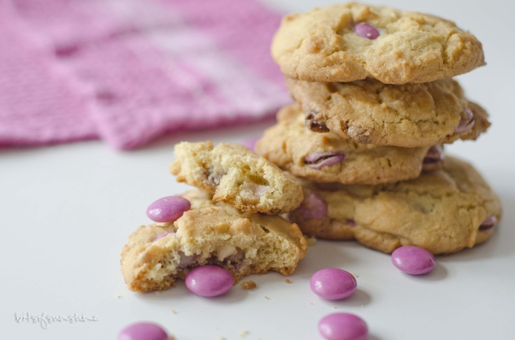 Pink and White Chocolate Chip Cookies | On My Baking To Do List | Pin ...