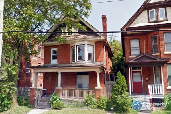 Private Sale: 222 Wentworth St N, Hamilton, Ontario - PropertyGuys.com
