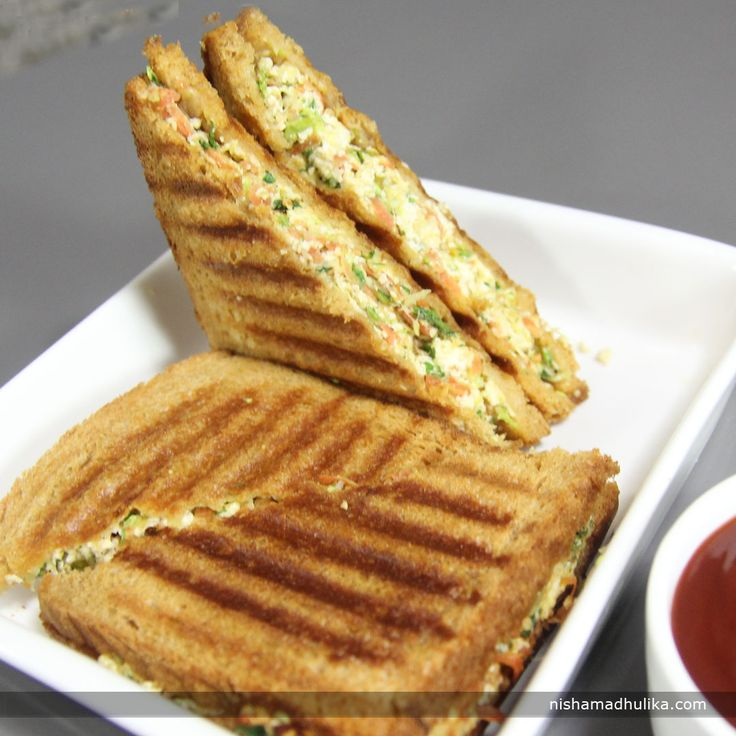 Lip smacking Paneer sandwich is something you could never say no to.  Recipe in English- http://indiangoodfood.com/2449-paneer-sandwich-recipe.html ( copy and paste link into browser)