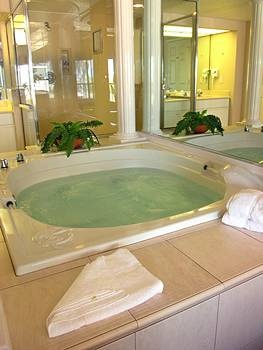 my absolute favorite hotel amenity jacuzzi bathtub