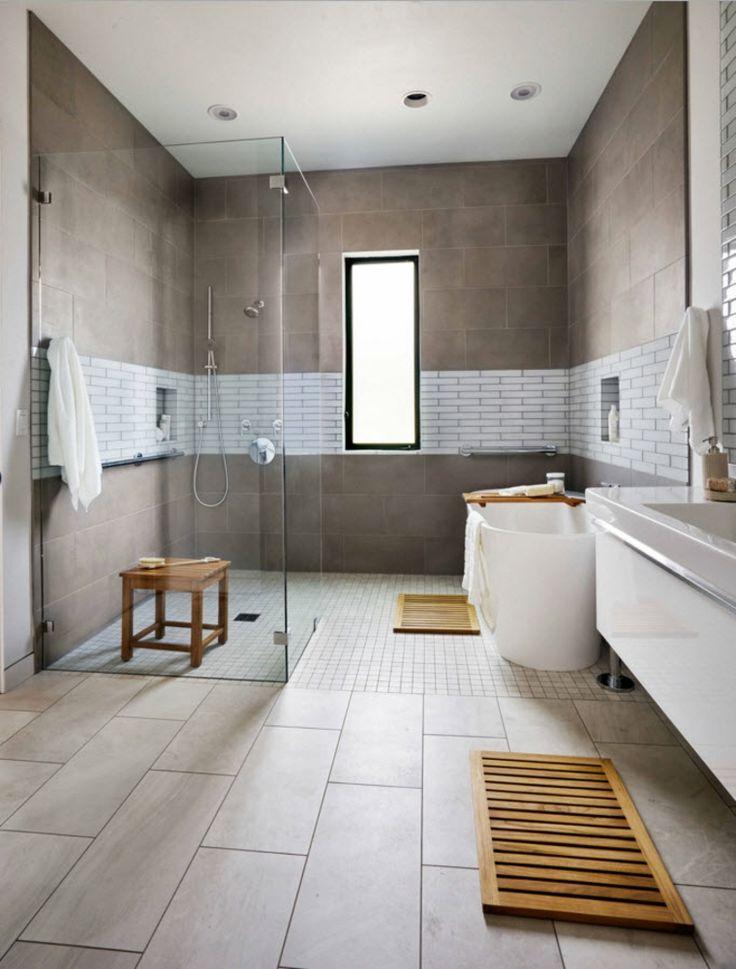 toques de madera en el baño moderno