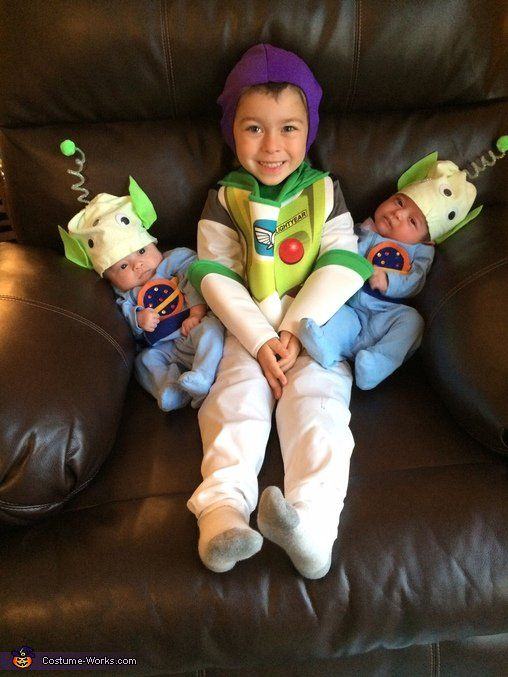 Pin for Later: Win Halloween With These 41 Sibling Costume Ideas Buzz Lightyear and Aliens