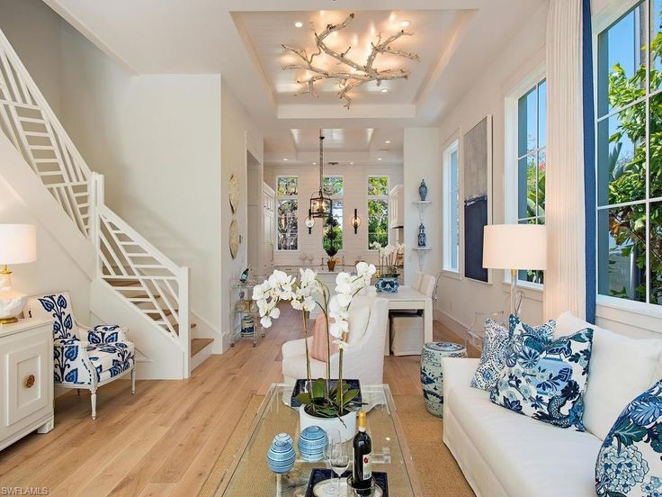 Gorgeous coastal hamptons style chippendale railing, chinoiserie, blue and white decor