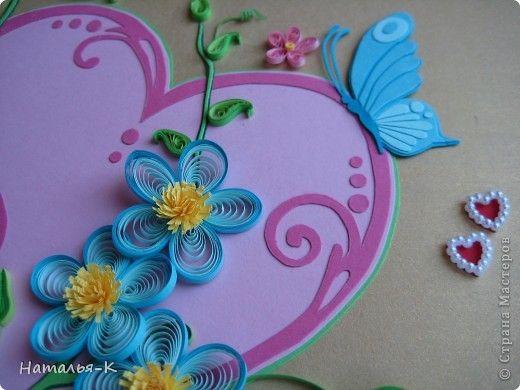Вот такое сердечное гнёздышко в красивых зарослях цветов у меня получилось. У наших дочери и зятя 23 ноября - 10 летие со дня свадьбы!Картина для них, ну и конечно же ещё плюс денежный подарок. фото 17