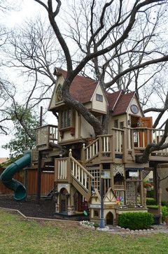 Grandparents Build Amazing Treehouse For Grandchildren, Neighborhood Kids