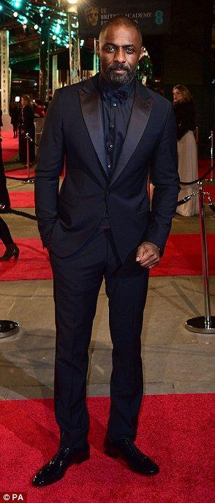What a line-up: Supporting Actor nominees Benicio Del Toro (left), Mark Ruffalo (centre, w...