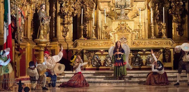 Spectacle traditionnel lors des fêtes de Noël, la pastorela narre les péripéties de bergers tiraillés entre le diable et les anges. Ce week-end, La Noche más venturosa se présentera dans la cathédrale de Mexico.