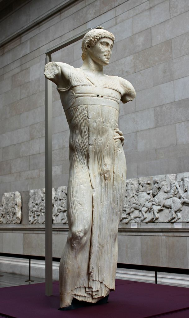 The Motya Charioteer: The British Museum   Made by a Greek sculptor in Sicily about 460-450 BC. Marble from Greece or Turkey. Found in 1979 on the Sicilian island of Motya (Mozia), off the western tip of Sicily. Flickr.com