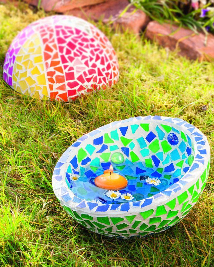 Gartendeko mit farbenfrohem mosaikglas for Gartendeko ausgefallen
