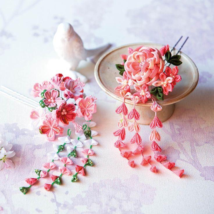 絢爛(けんらん)なお花の共演 藤下がりが優美なちりめんつまみ細工の花カレンダーの会(定期予約コレクション)|フェリシモ