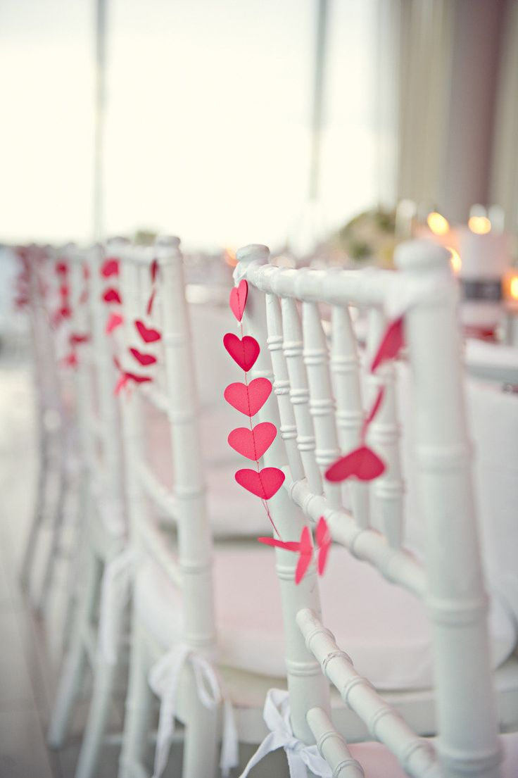 .: Ideas, Heart Garlands, Decoration, Paper Heart, Chairs Decor, Valentines Day, Chairs Back, Wedding Chairs, Events Plans