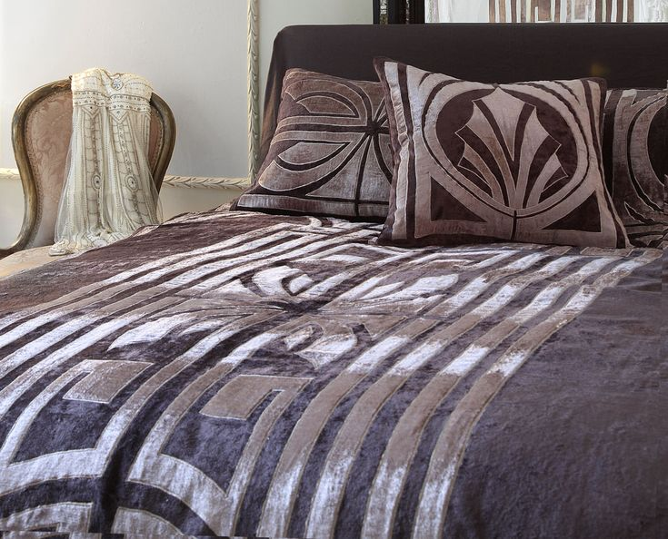Hollywood Designer Bedspread In Pewter And Taupe Velvet
