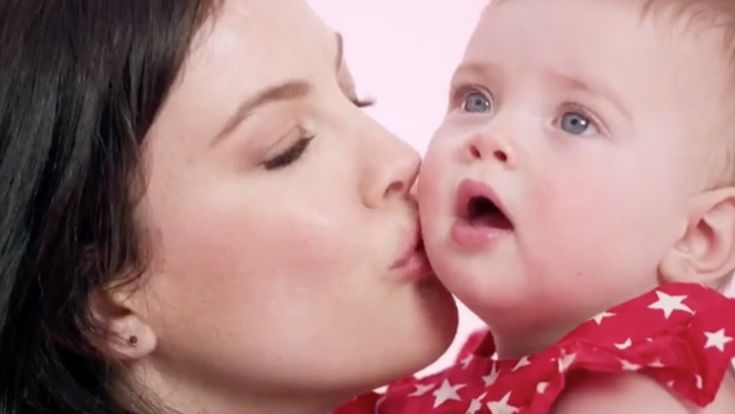 Liv Tyler's children daughter - Lula Rose, 10 months and son – Sailor, 2 are following in their gorgeous actress mother's footsteps with an appearance in the newest Gap advertisement campaign. Longtime fans of Liv will remember that before she made a name in movies she was a model in both print ads